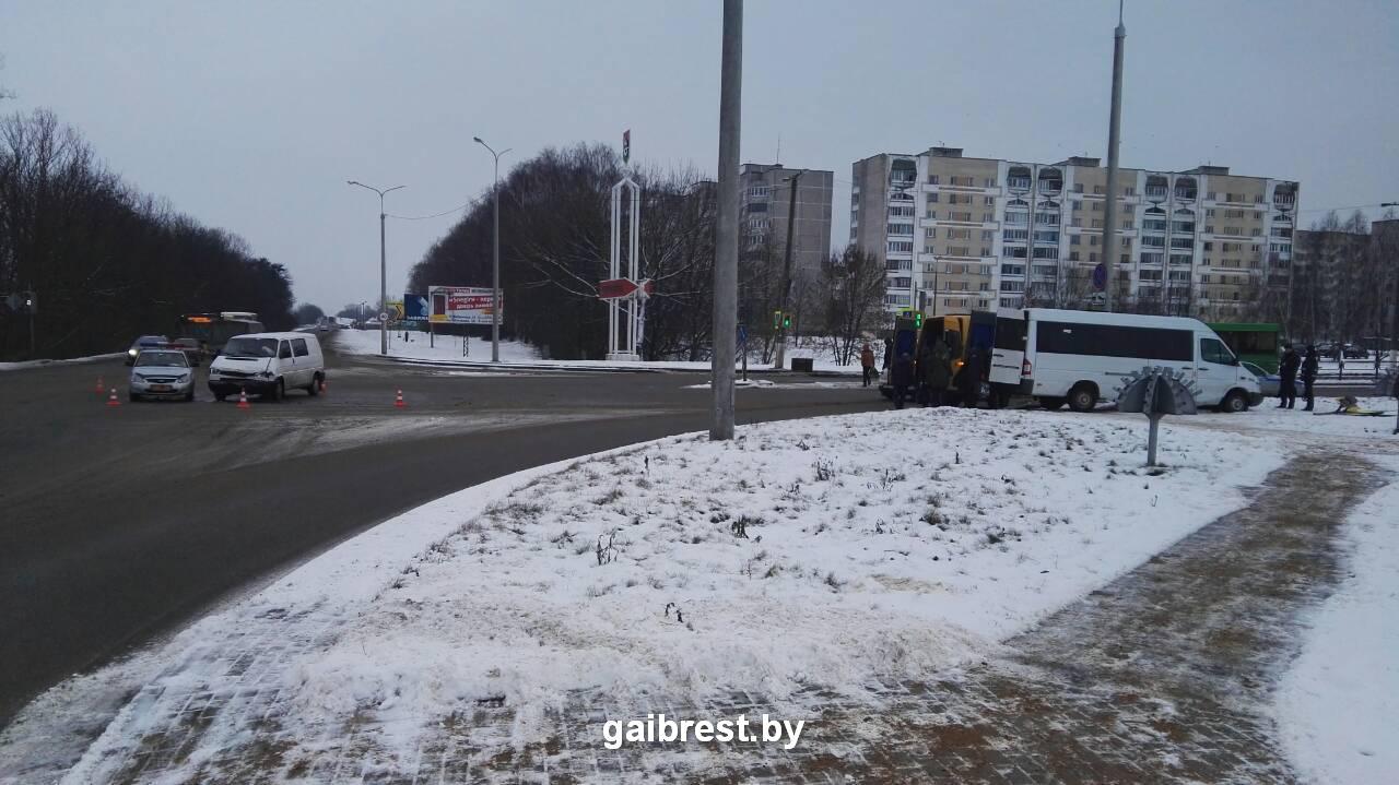Пассажир маршрутки пострадала в ДТП в Барановичах