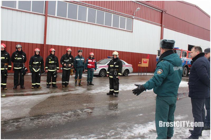 Спасательная операция на складе ОАО «Брестгазоаппарат». Что случилось?
