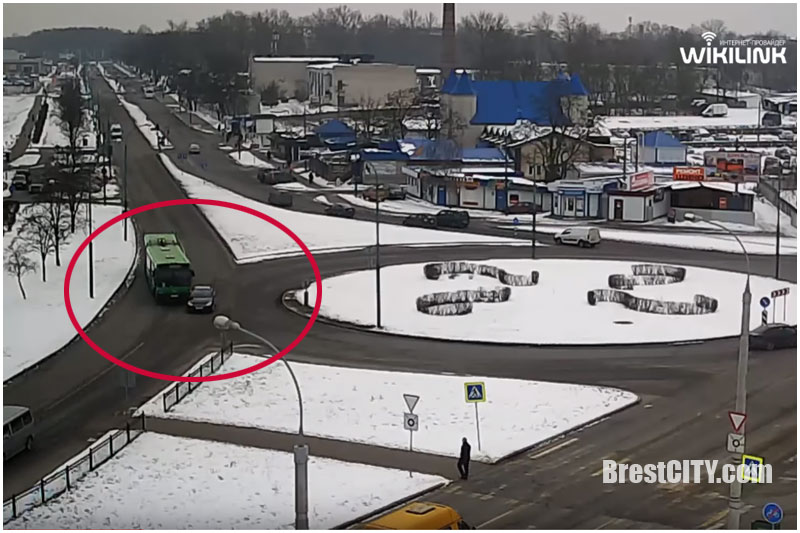 ДТП на вульковском кольце с участием автобуса (видео). Кто виноват?