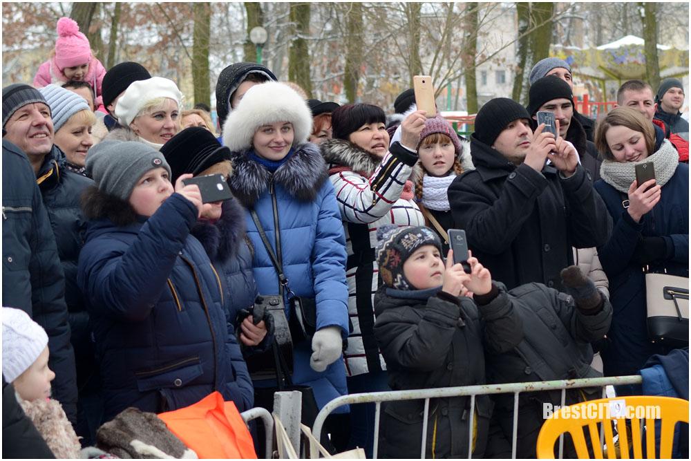 Встреча Масленицы-2018 в парке (тест Nikkor 35mm f/1.8G AF-S DX)