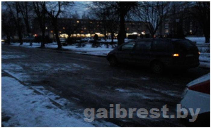 Пинск: водитель Ford совершил наезд на школьницу. Девочка в больнице