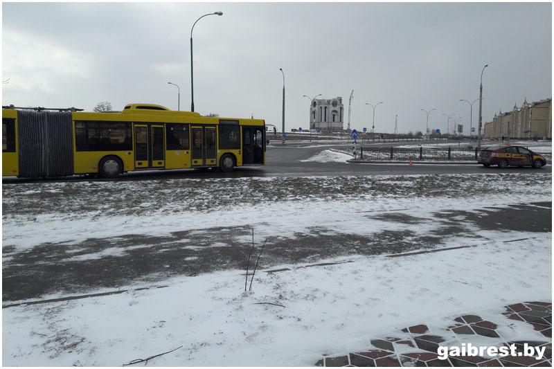 В результате ДТП на вульковском кольце травмирован пассажир автобуса