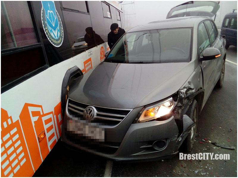 Авария с троллейбусов в Бресте 9 января