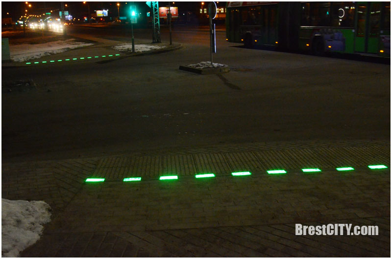 Фотофакт: еще один пешеходный переход с подсветкой появился в Бресте