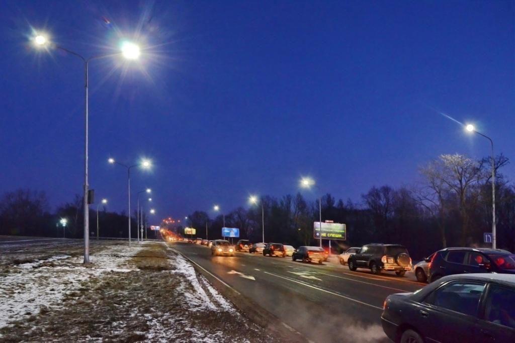 Светодиодную эстафету приняло Варшавское шоссе в Бресте