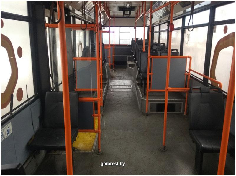 Брест: в троллейбусе травмирована 59-летняя местная жительница