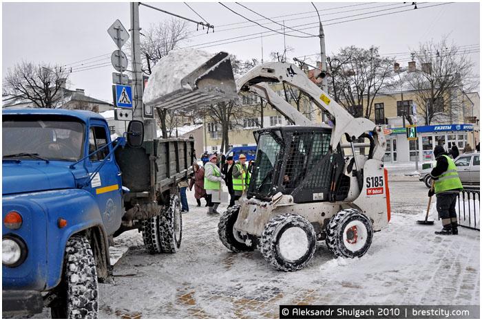 Уборка снега в Бресте