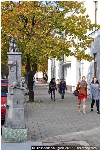 Скульптурная композиция «Старый город» в Бресте