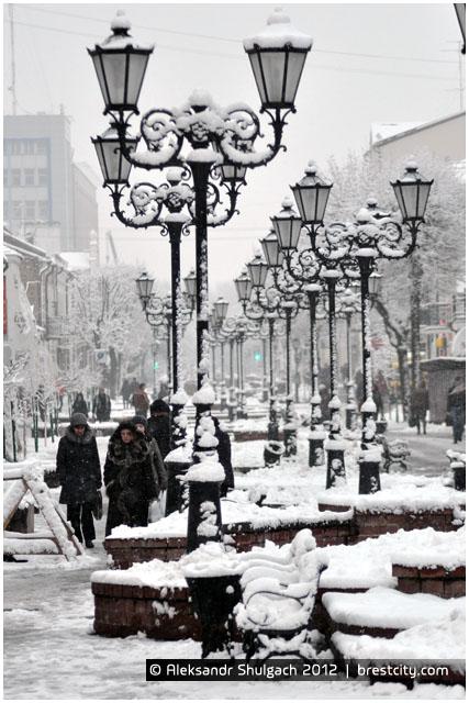 Снежный зимний Брест. Улица Советская