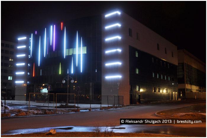 Центр моды в Бресте. Ночная иллюминация