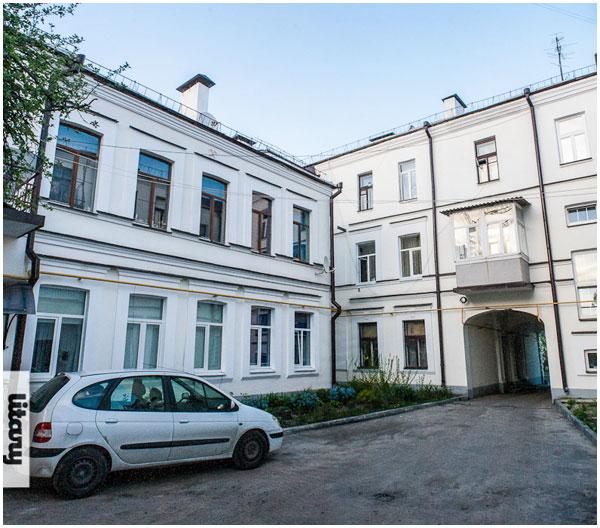 Дворик напротив краеведческого музея, ул. Карла Маркса