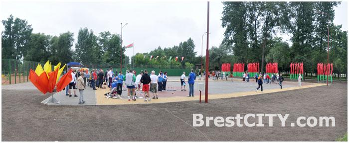 Площадка для игры в айсшток в Брестском парке