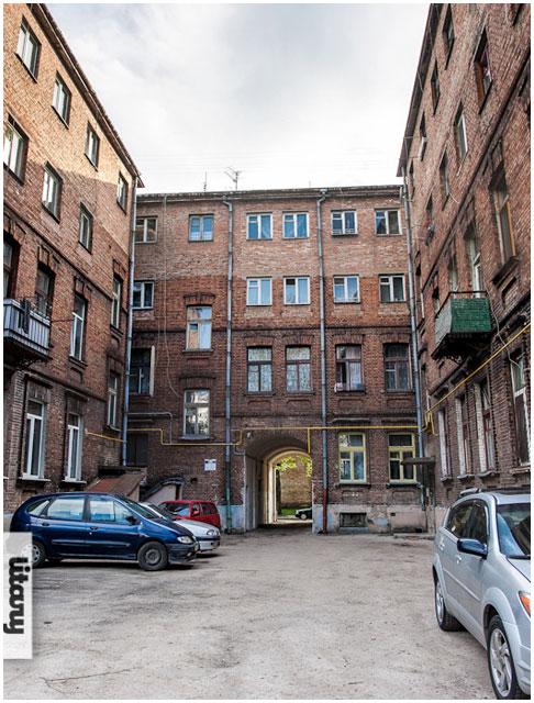 Двор по улице Куйбышева в Бресте