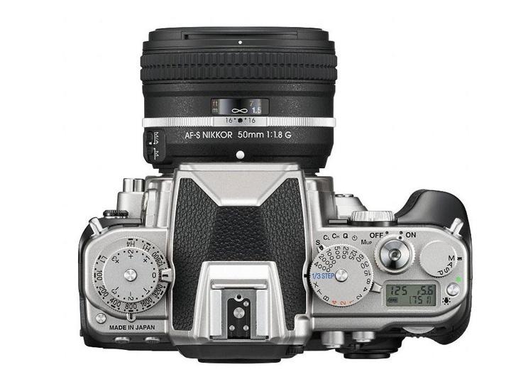 Камера никон в ретро стиле