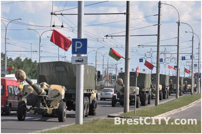 День после Дня Независимости в Бресте. Военная техника