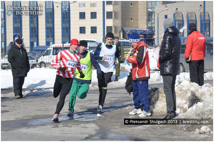 """Легкоатлетический пробег """"Память"""" в Бресте 24 марта 2013 года"""