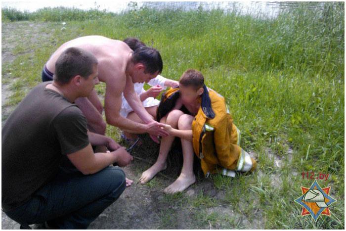 Спасение тонущего на реке ребенка