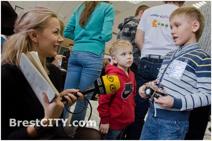 Соревнования автономных мобильных роботов «Roborace Brest 2013»