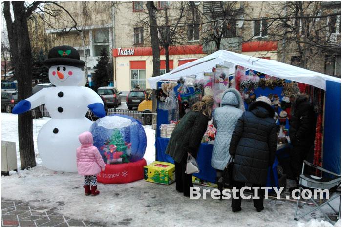 Новогодняя ярмарка на улице Гоголя в Бресте 2013