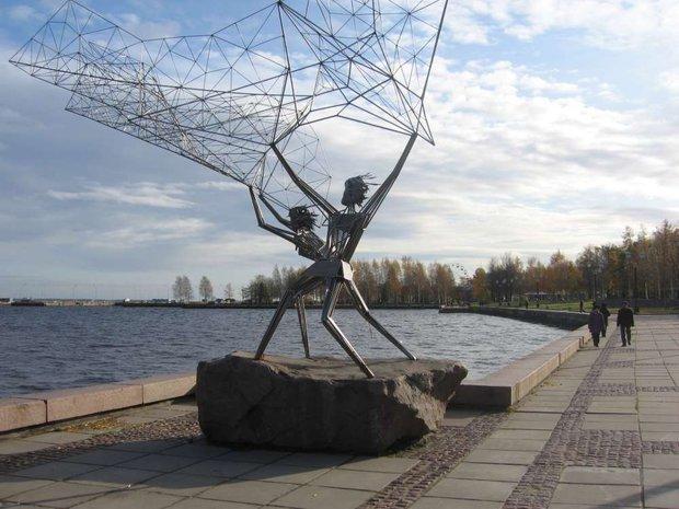 Город Петрозаводск в России. Скульптура