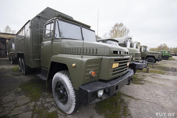 Рынок военной техники в Березе. Брестская область