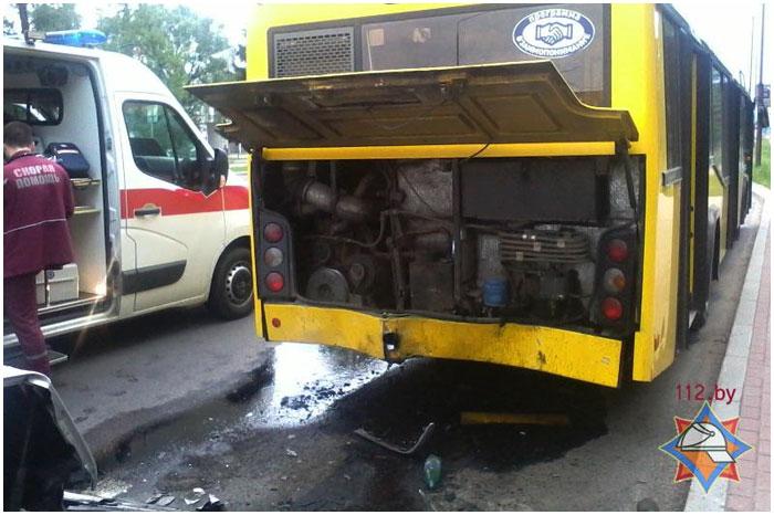 Авария на Лейтенанта Рябцева.  Мерседес столкнулся с автобусом