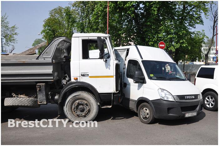 Авария МАЗ и микроавтобус Ивеко