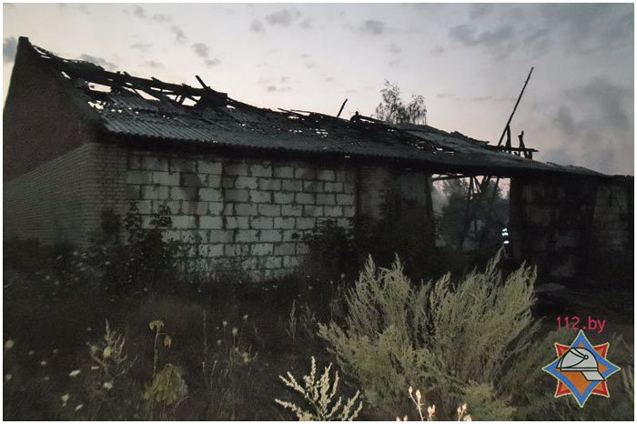 В Бресте сгорел склад стройматериалов
