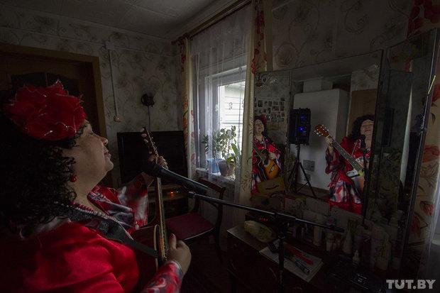 Бабушка-рокер Людмила Рудая из Ивацевичского района Брестской области