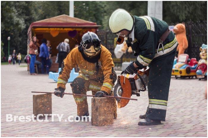 Пожарная безопасность. Акция МЧС в Брестском парке