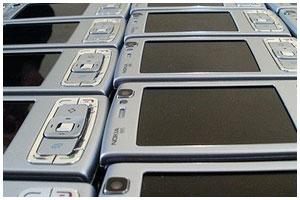 Мобильные телефоны пытались перевезти через границу