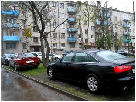 Парковка автомобилей в неположенных местах в Бресте
