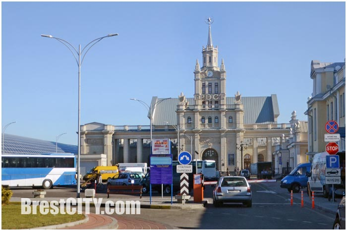 Новые цены за парковку на привокзальной площади в Бресте