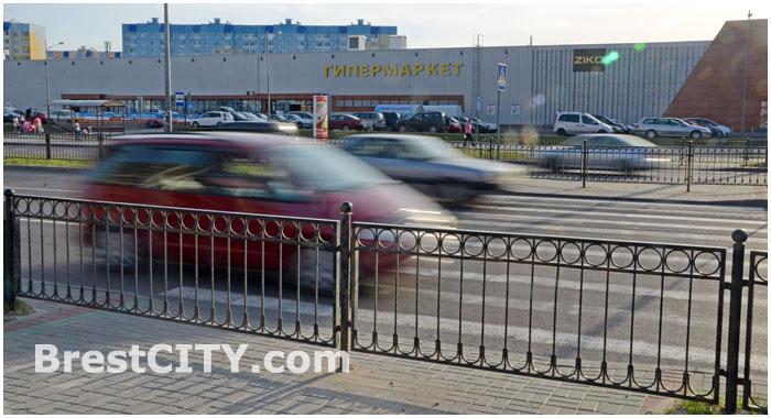 Пешеходный переход возле