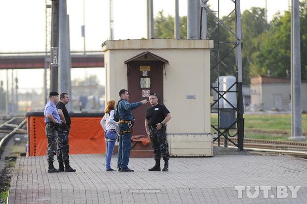 Попытка суицида в Гомеле на ЖД вокзале. Мужик забрался на мачту