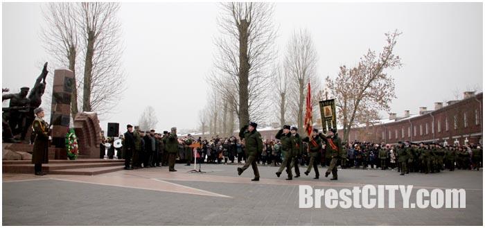Молодые пограничники приняли присягу в Брестской крепости