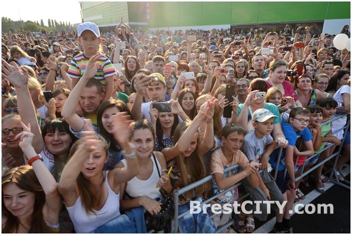 Концерт группы Руки вверх на открытии магазина АЛМИ в Бресте