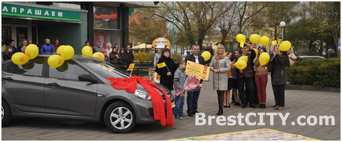 Два автомобиля в течение года выиграла в лотерею жительница Кобрина