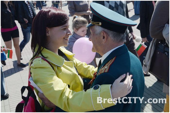 Ветераны на празднике День Победы 9 мая в Брестской крепости