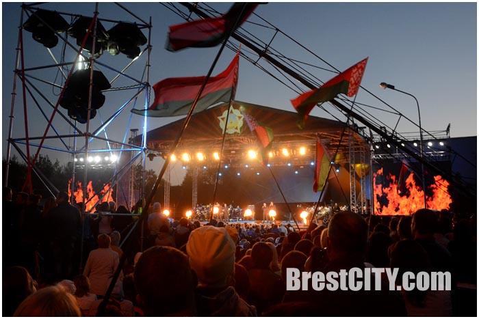 Концерт 2 мая 2015 в Бресте возле Брестской крепости