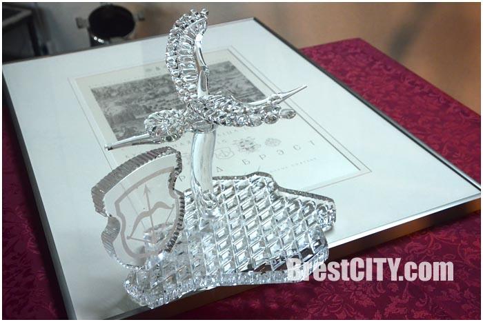 Аист и сертификат. Брест - культурная столица