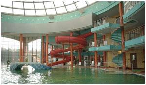 В аквапарке Кобрина едва не утонула маленькая девочка
