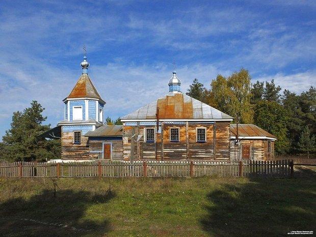 В деревне Малые Мурины разобрали церковь 18 века