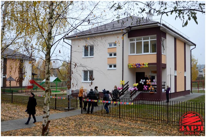 Дом семейного типа в Ивацевичах. Фото Александра Шульгача