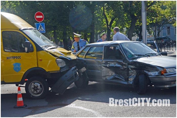 Авария с участием маршрутки на