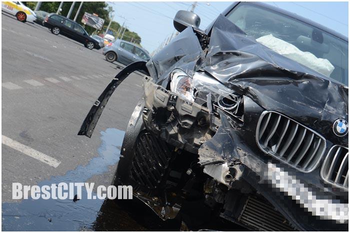 BMW X3 и Рено меган авария в Бресте 18 июля
