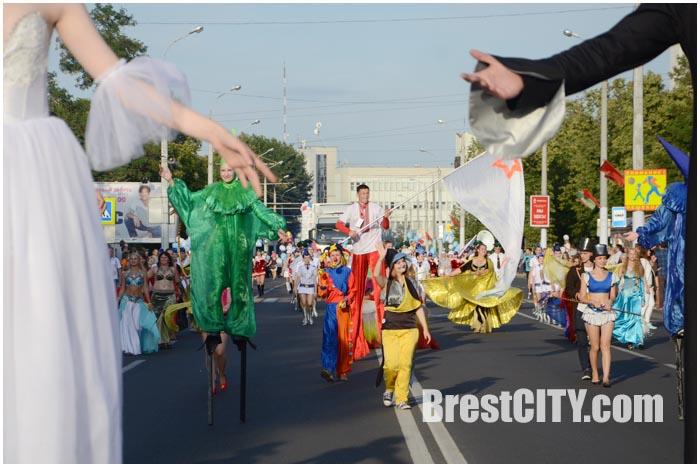 Первый городской карнавал в Бресте 1 августа 2015 ко Дню города