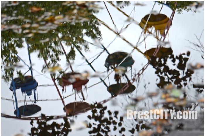 Колесо обозрения в Брестском парке