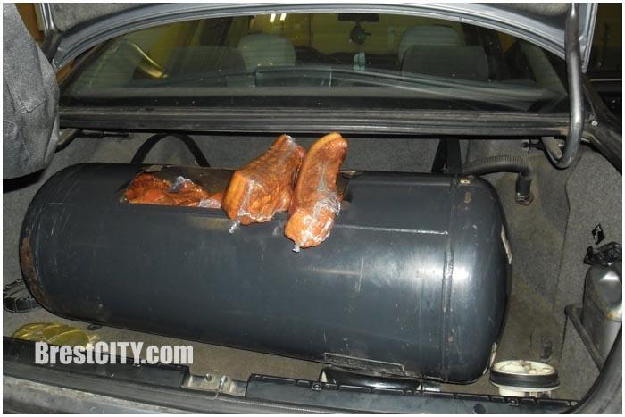 Мясной тайник в автомобиле через границу