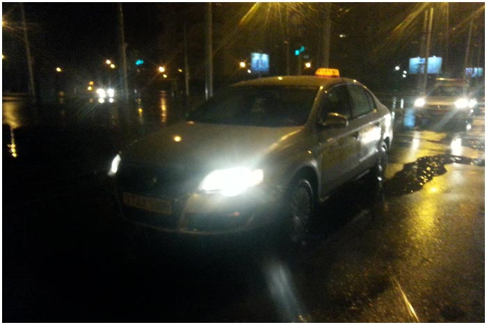 Автомобиль такси совершил наезд на пешехода